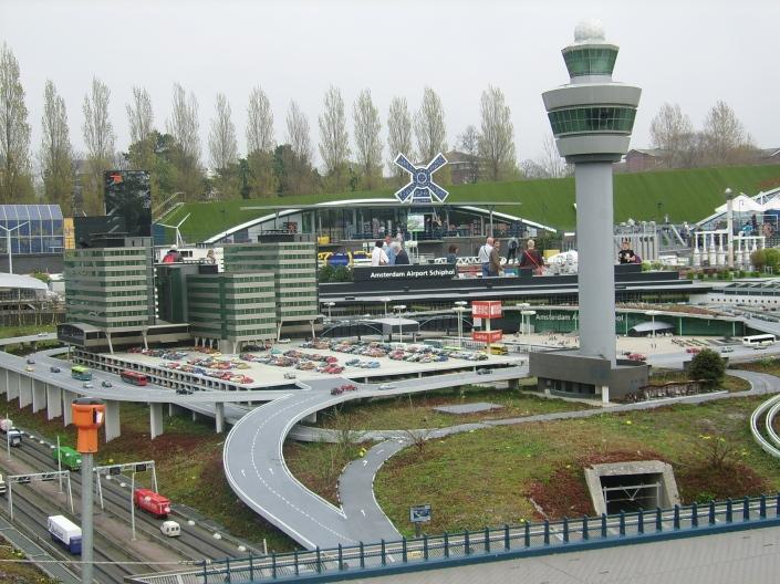 Madurodam'da Schipol havaalanı minyatürü