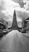 Hallgrimskirkja Kilisesinin mimarisinde İzlanda'da çokça görülen lav akıntılarının soğuyarak bazalt kaya sütunlarına dönüşmesinden esinlenilmiş.